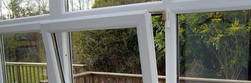 چگونه پرده پنجره دو حالته را نصب کنیم؟