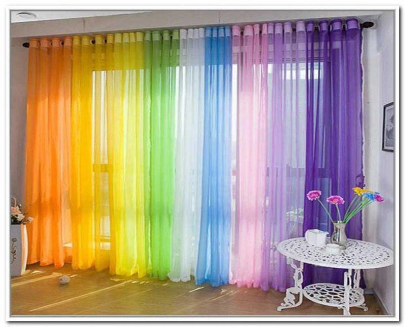 راهنمای انتخاب رنگ پرده اتاق پذیرایی